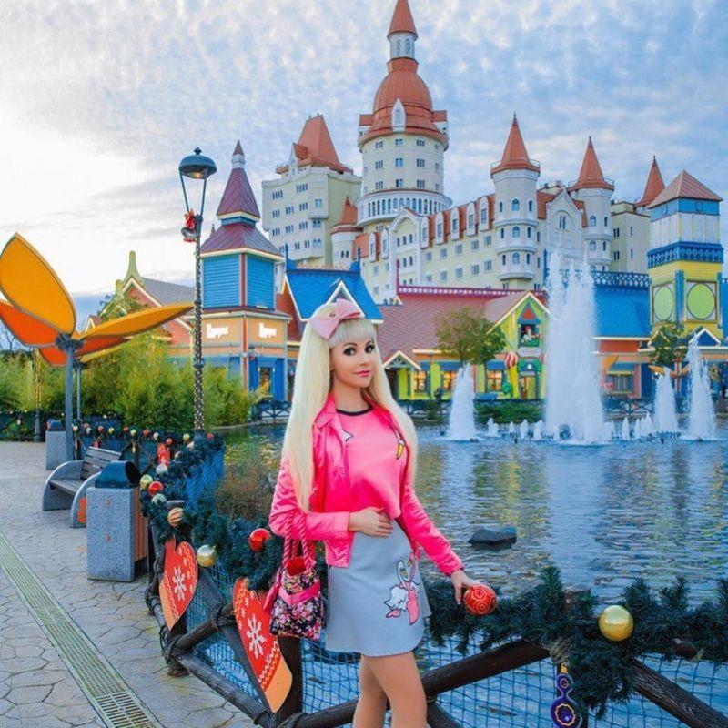 【バービーBBA】ロシアの32歳バービー好きおばさん、全力で全盛期を維持する・・・・・(画像)・15枚目