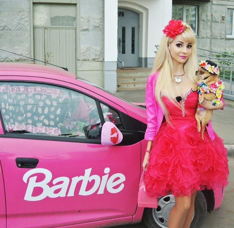【バービーBBA】ロシアの32歳バービー好きおばさん、全力で全盛期を維持する・・・・・(画像)・20枚目