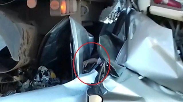【奇跡】後ろから激突してきたトラックに数十㎝にまで圧縮されたブラジル人男性、無事生還!!(画像)・1枚目