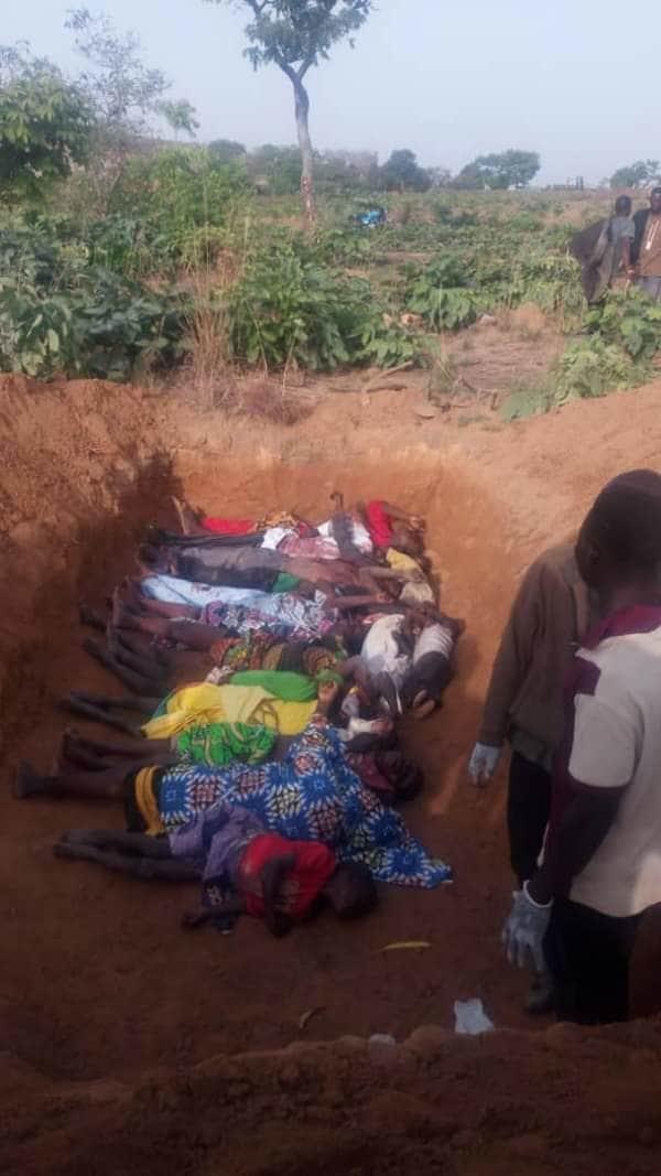 """【血みどろの争い】アフリカの超危険部族""""フラニ族""""、周囲の部族に仲間を虐殺されさらに復讐で50人以上虐殺しかえす・・・・・(画像)・12枚目"""