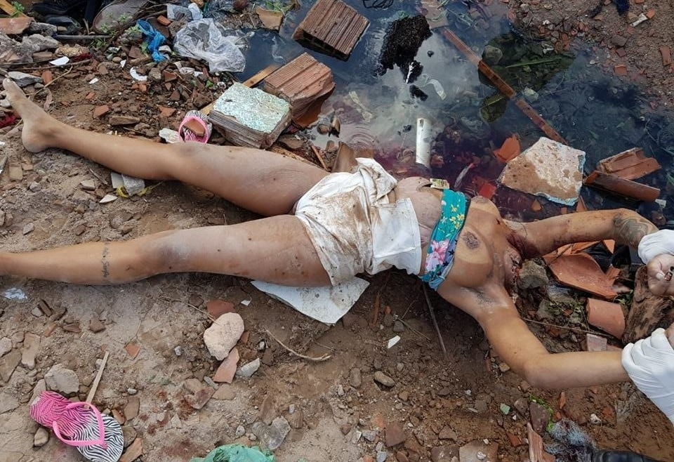 【グロ注意】ドラッグ売人の娘さん、ゴミ捨て場から変わり果てた姿で発見される・・・・・(画像)・5枚目