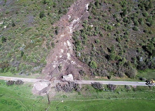 【危険】コロラド州の巨大落石、民家の2倍ほどもある巨岩が落ちてきて高速道路を塞ぐ!!(画像)・7枚目