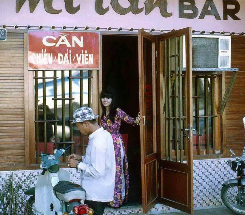 【ベトナム売春宿】1960年代ベトナム戦争当時の米軍御用達の売春宿、あんま美人居ないな・・・・(画像)・10枚目