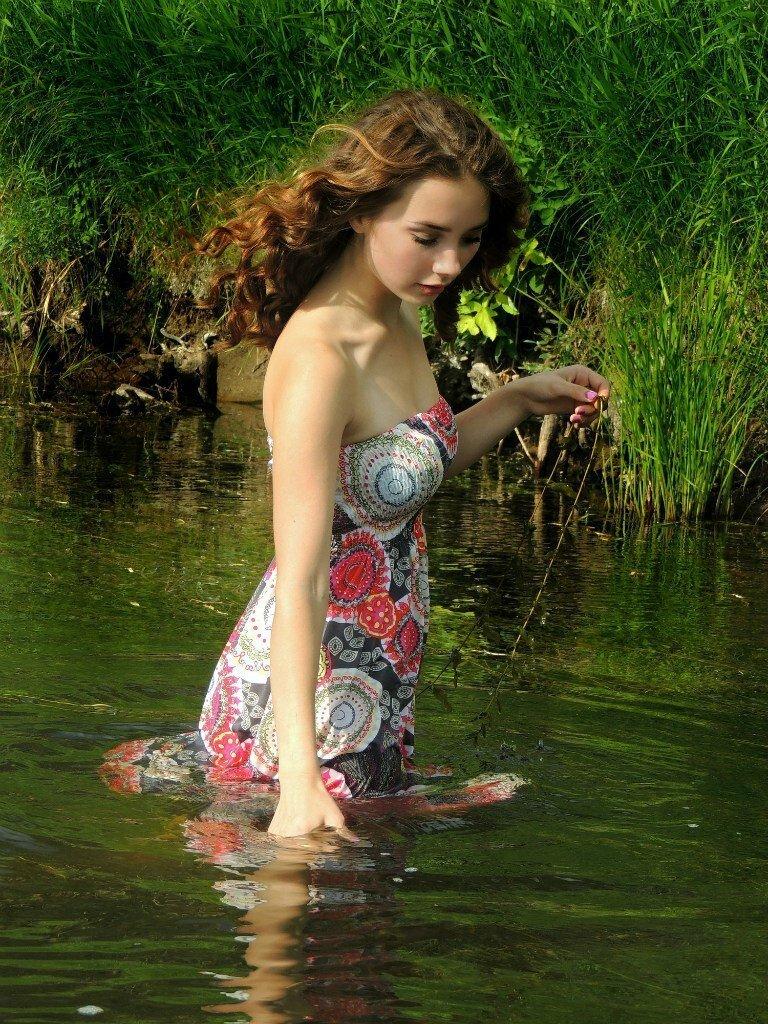 【田舎美女】海外のクソ田舎暮らししてる女の子、ビックリするくらい美女が居てワイ絶望・・・・・(画像)・8枚目