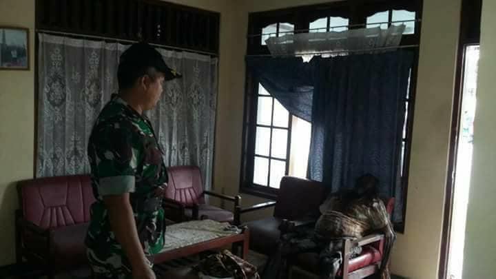 【閲覧注意】インドネシアの老夫婦、揃って服毒自殺した後2週間経って自宅で発見される・・・・・(画像)・2枚目