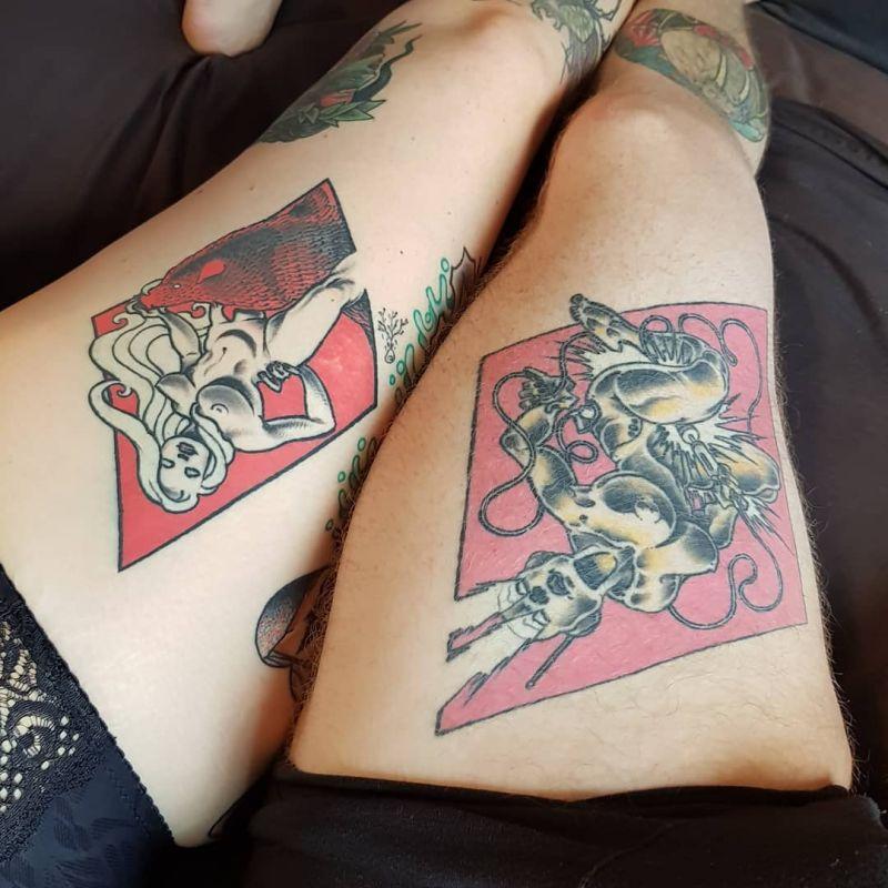 【手マン多し!】一生モノのタトゥーで下ネタぶっ込んでくる外人さん、心臓強すぎだろ!!(画像)・6枚目