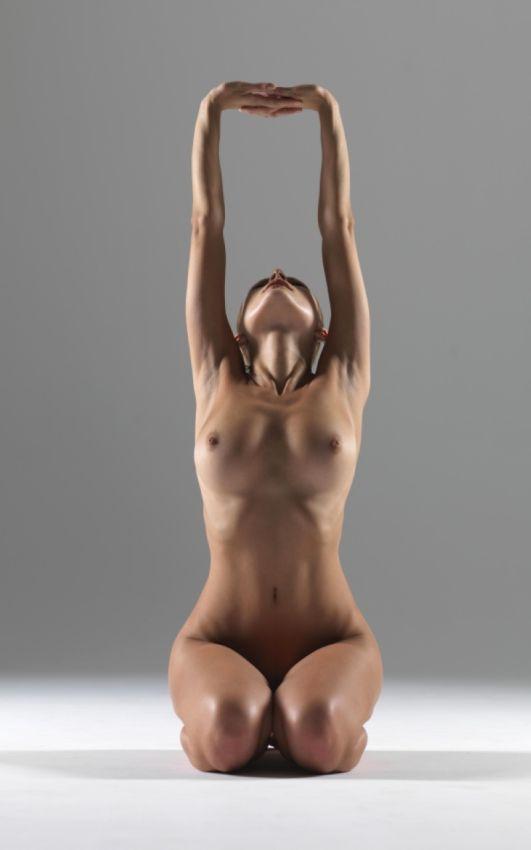 【全裸ヨガ】エロいのにどっか神秘的な外人さんのヌードヨガ、正直セックスしたくてたまらんのだが・・・・(画像)・5枚目