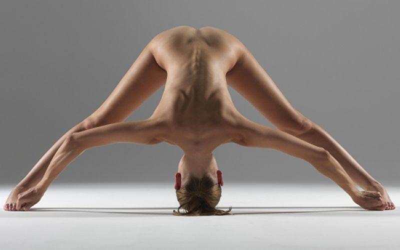【全裸ヨガ】エロいのにどっか神秘的な外人さんのヌードヨガ、正直セックスしたくてたまらんのだが・・・・(画像)・8枚目