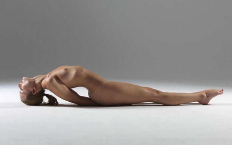 【全裸ヨガ】エロいのにどっか神秘的な外人さんのヌードヨガ、正直セックスしたくてたまらんのだが・・・・(画像)・13枚目
