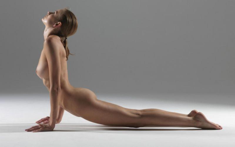 【全裸ヨガ】エロいのにどっか神秘的な外人さんのヌードヨガ、正直セックスしたくてたまらんのだが・・・・(画像)・17枚目