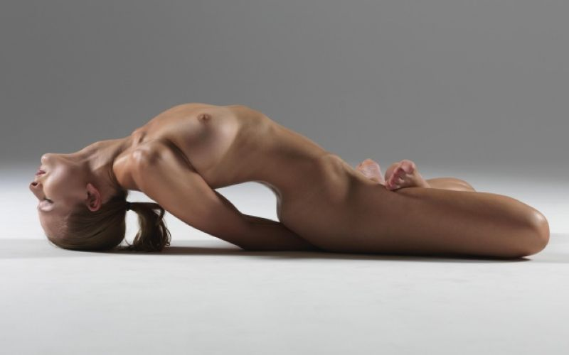 【全裸ヨガ】エロいのにどっか神秘的な外人さんのヌードヨガ、正直セックスしたくてたまらんのだが・・・・(画像)・21枚目