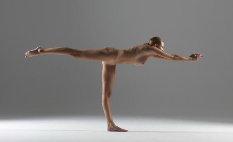 【全裸ヨガ】エロいのにどっか神秘的な外人さんのヌードヨガ、正直セックスしたくてたまらんのだが・・・・(画像)・24枚目