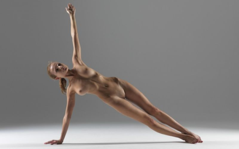 【全裸ヨガ】エロいのにどっか神秘的な外人さんのヌードヨガ、正直セックスしたくてたまらんのだが・・・・(画像)・25枚目