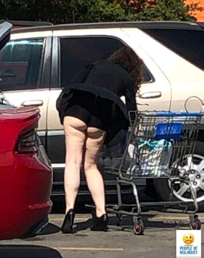 【自由の国】アメリカのウォルマート、ただのスーパーなのに変な客ばかり集まってくる件・・・・(画像)・19枚目