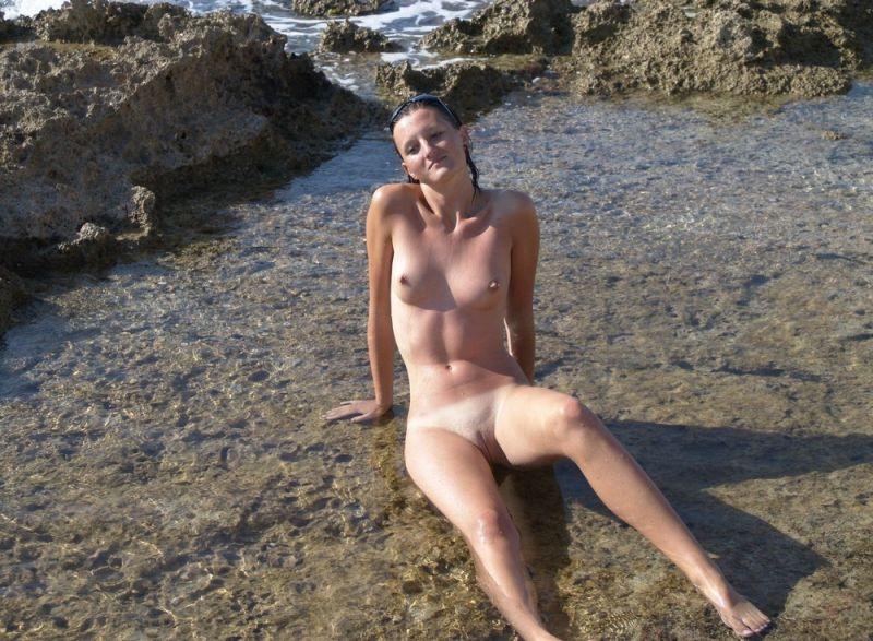 【丸出し】ロシアのヌーディストビーチ、美女率の高さがヤベー!!・7枚目