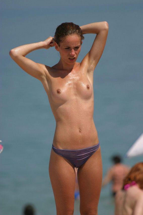 【丸出し】ロシアのヌーディストビーチ、美女率の高さがヤベー!!・12枚目