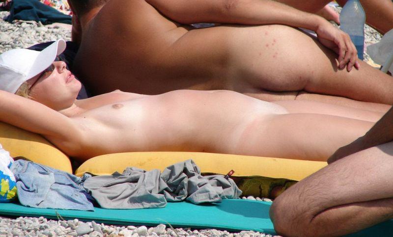 【丸出し】ロシアのヌーディストビーチ、美女率の高さがヤベー!!・19枚目