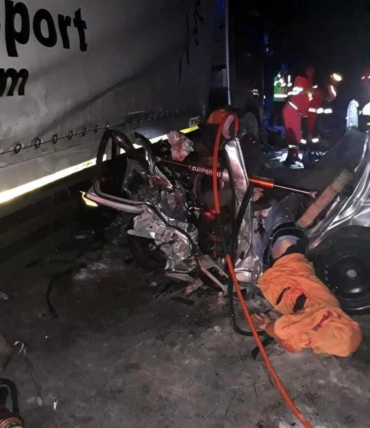 【飲酒事故】雪上で飲酒運転してたルーマニアの若者、クラッシュして乗員5人全員死亡・・・・・(画像)・3枚目