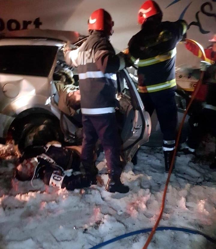 【飲酒事故】雪上で飲酒運転してたルーマニアの若者、クラッシュして乗員5人全員死亡・・・・・(画像)・6枚目