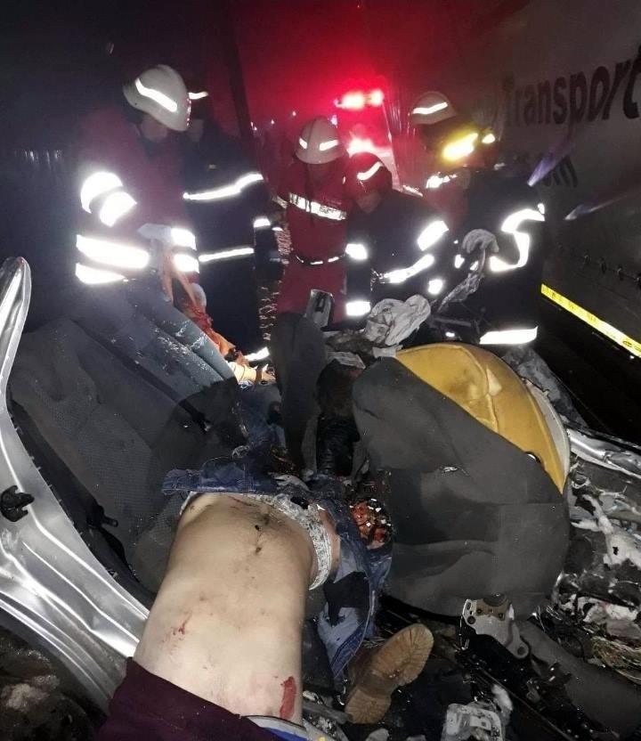 【飲酒事故】雪上で飲酒運転してたルーマニアの若者、クラッシュして乗員5人全員死亡・・・・・(画像)・7枚目