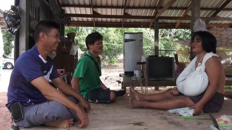 【巨乳症おばさん】タイで発見された巨乳症のおばさん御年46歳、せめてあと20年若ければ・・・・・(画像)・1枚目