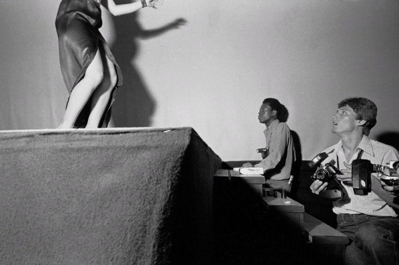 【ストリップ】1970年代のシカゴのストリップ劇場の様子、今のコミケ会場前とあまり変わらないな・・・・・(画像)・10枚目