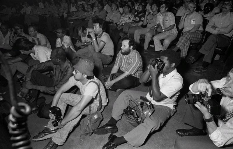 【ストリップ】1970年代のシカゴのストリップ劇場の様子、今のコミケ会場前とあまり変わらないな・・・・・(画像)・14枚目