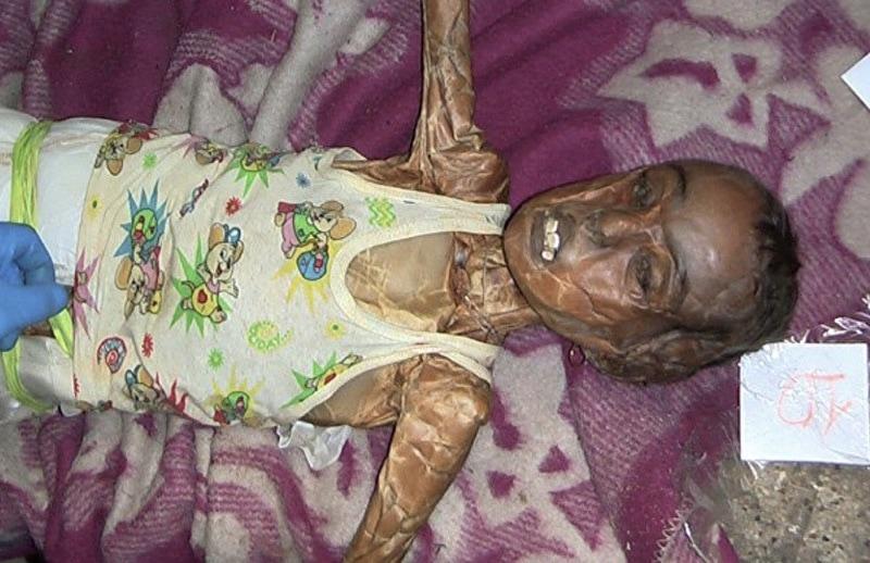 【マジキチ】墓地から少女の遺体を掘り起こしてせっせとミイラにしてたロシアのミイラ愛好家、怖過ぎだろ・・・・・(画像)・6枚目