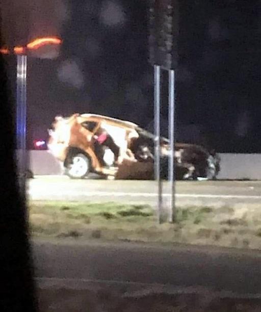 【グロ注意】アメリカで起きた高速でのクラッシュ事故、シートベルトで一命は取りとめたものの・・・・・(画像)・1枚目