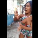 【おっぱい注意】女同士の喧嘩inブラジル、美容師さんが一方的に殴られておっぱい丸出しに・・・・・(動画)