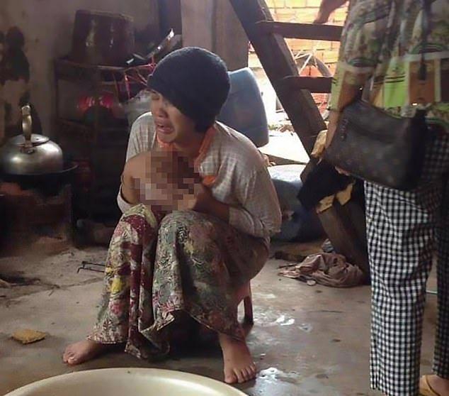 【胸糞】ワニ農場の所有者、目を離した隙に二歳の娘が檻に入り無残な姿にされる・・・・・(画像)・6枚目