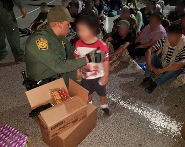 【密入国摘発】メキシコからの不法移民35名、X線スキャンを知らずに一網打尽になる・・・・・(画像)・2枚目