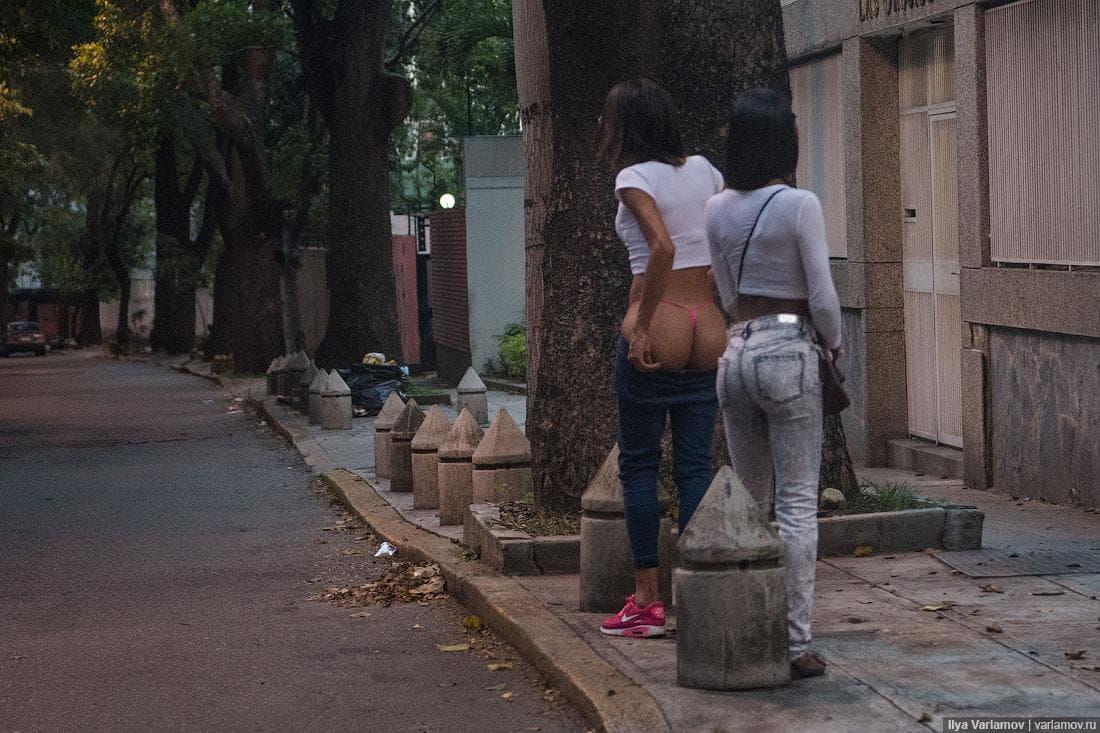 【出稼ぎ売春婦】深刻なハイパーインフレにより隣国へ逃げ出すベネズエラの売春婦少女、これは是非旅行で行きたいよな!(画像)・4枚目