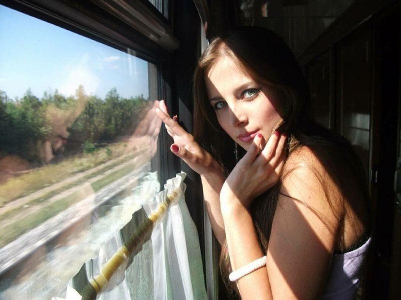 【ロシアエロ尻】シベリア鉄道の寝台列車でくつろぐロシア女性のエロ尻、これはガチで一度乗ってみたいな!!(画像)・6枚目