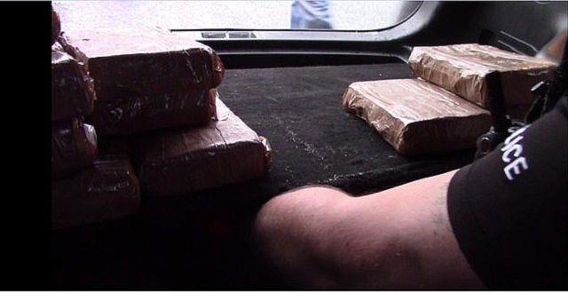 【懲役10年】イギリスの人気インスタグラマーまんさん、末端価格二億円分のコカインを密輸して逮捕!!(画像)・5枚目