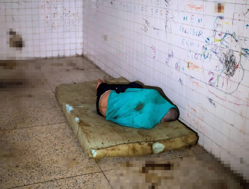 【ほぼホラー】ベネズエラの首都カラカスにある築100年以上経過した精神病院、これ廃病院に棲みついたホームレスじゃないのか・・・・・(画像)・3枚目