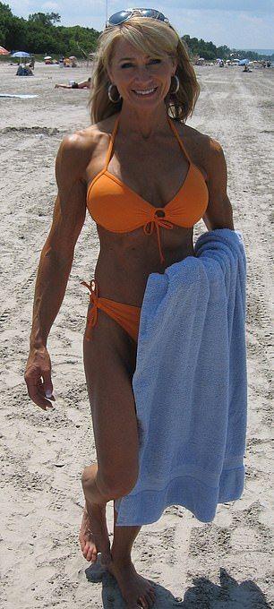 【マッスルお婆ちゃん】ボディビル歴20年以上のガチビルダーお婆ちゃん(61)、正直余裕でヤレる・・・・・(画像)・2枚目