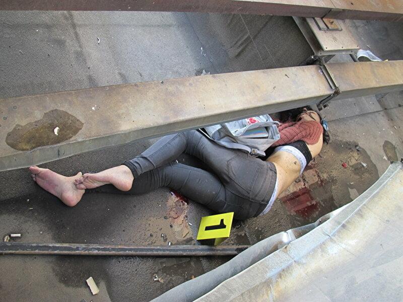【遺体晒し】ロシアの飛び降り自殺女性、何故か飛び降り現場の写真とともに裸の検死画像まで晒される・・・・(画像)・4枚目
