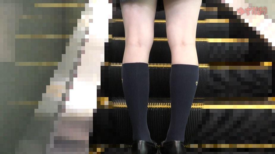 【動画】日本の電車内がどれだけ危険かわかる痴漢映像。。・1枚目
