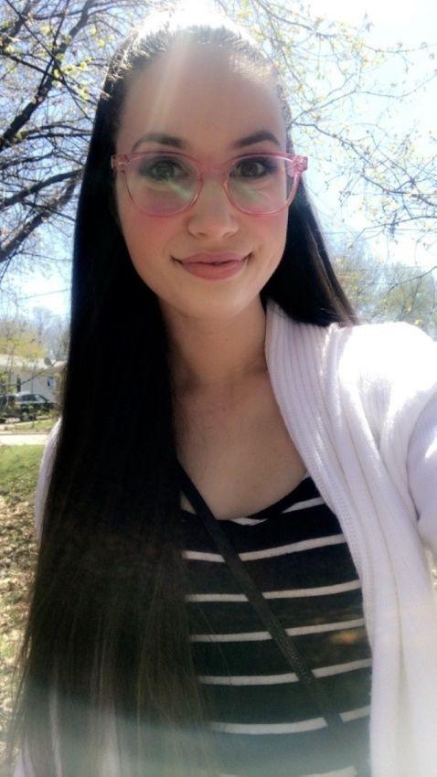 【超セクシー】ロシアの眼鏡っ娘ネキの自撮りエロ画像、なんか日本の眼鏡っ娘と全然違う・・・・・(画像)・36枚目