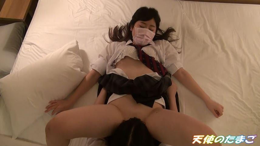 【動画】女の子のマンコを友だちに開かせるAVに海外も震撼・・・・18枚目