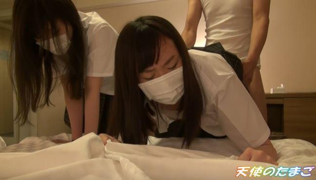【動画】海外がドン引きする日本の女子二人組の援○映像がこれ。・12枚目