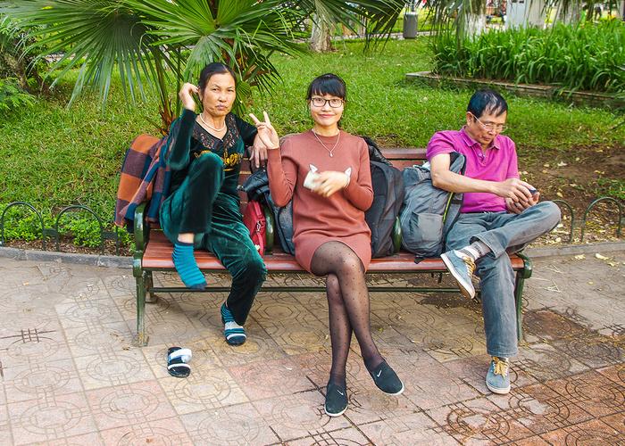 【街撮りスナップ】民族衣装アオザイ以外にもエロくて美人が多いベトナムまんさんの街撮り画像(画像あり)・7枚目