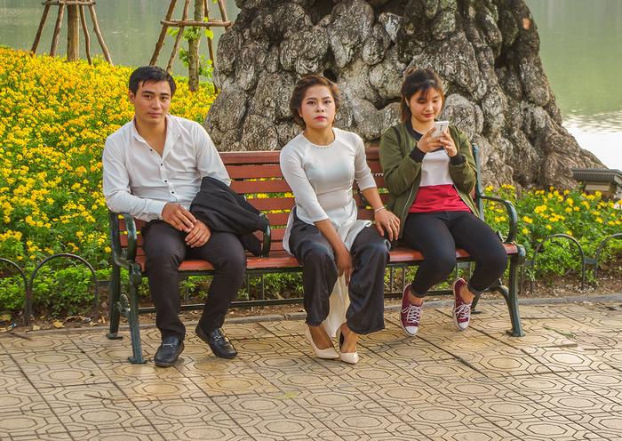 【街撮りスナップ】民族衣装アオザイ以外にもエロくて美人が多いベトナムまんさんの街撮り画像(画像あり)・9枚目