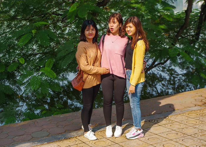 【街撮りスナップ】民族衣装アオザイ以外にもエロくて美人が多いベトナムまんさんの街撮り画像(画像あり)・11枚目