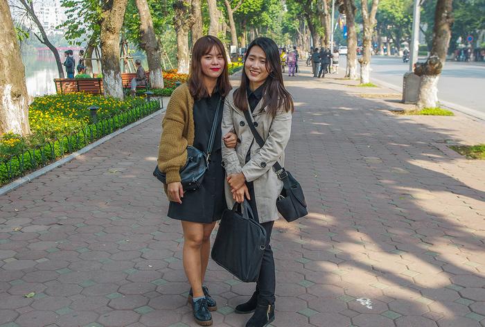 【街撮りスナップ】民族衣装アオザイ以外にもエロくて美人が多いベトナムまんさんの街撮り画像(画像あり)・13枚目