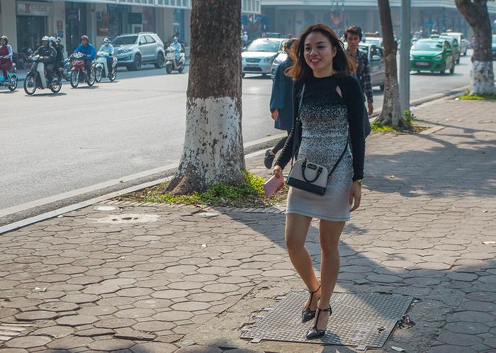 【街撮りスナップ】民族衣装アオザイ以外にもエロくて美人が多いベトナムまんさんの街撮り画像(画像あり)・16枚目