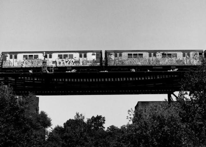 【危険地帯】1970年代NYの地下鉄で撮影されたフォトグラフィー、治安ヤバ過ぎだろ・・・・(画像)・7枚目