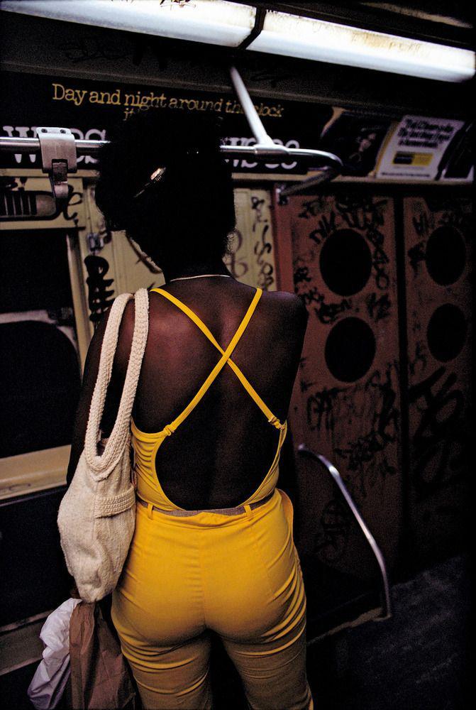 【危険地帯】1970年代NYの地下鉄で撮影されたフォトグラフィー、治安ヤバ過ぎだろ・・・・(画像)・32枚目