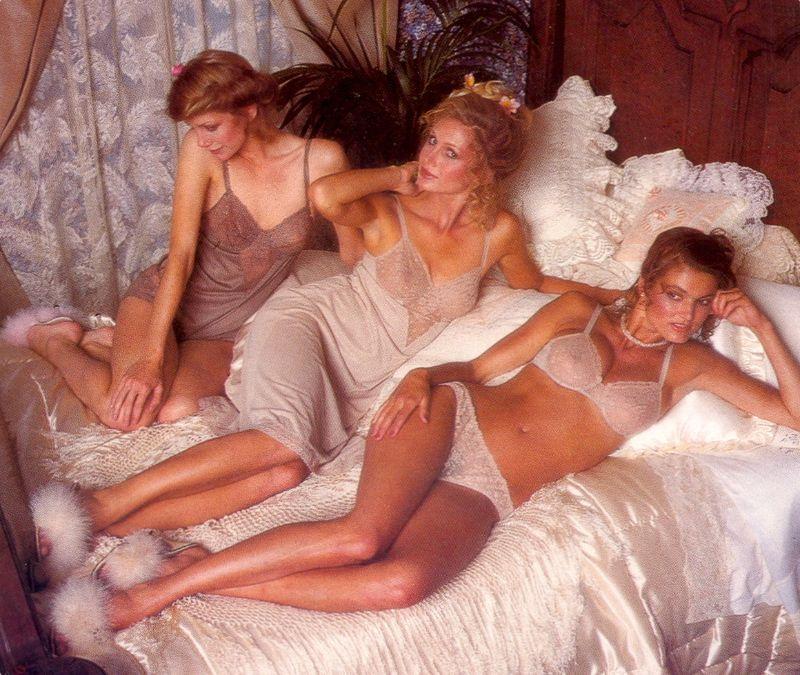 【超セクシー】今から40年前に発行されたヨーロッパ女性達のランジェリーカタログがエロ過ぎる!!・4枚目